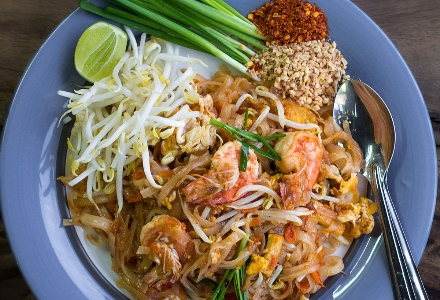 Vegetable and prawn Pad Thai