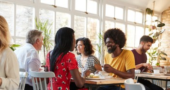 using-wifi-for-restaurant-client-loyalty.jpg